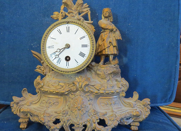 Golden Pot Cast Clock