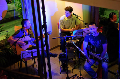 3Play_pop_rock_acoustique_mariage_concert_bar_pub_lyon_trio