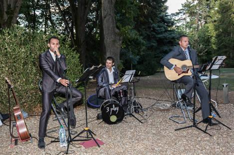 3Play_pop_rock_acoustique_mariage_concert_Manoir_tourieux_Savigny.jpg