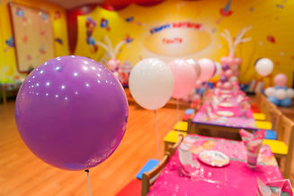 birthday-party-room-decorations-with-col