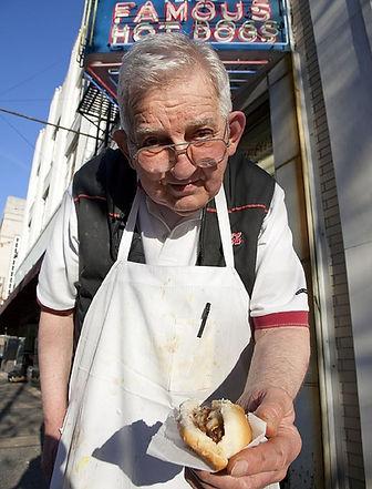 hot-dog-vendor-754706_1280.jpg