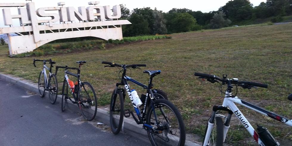 Cu Bicicleta de Hramul Chișinaului