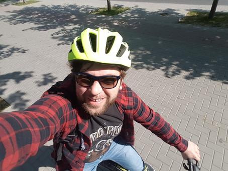 (foto) Avem și în Moldova un deputat pe bicicletă