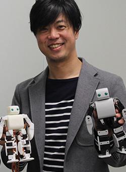 お店に手のひらサイズの店員を導入:PLEN Robotics