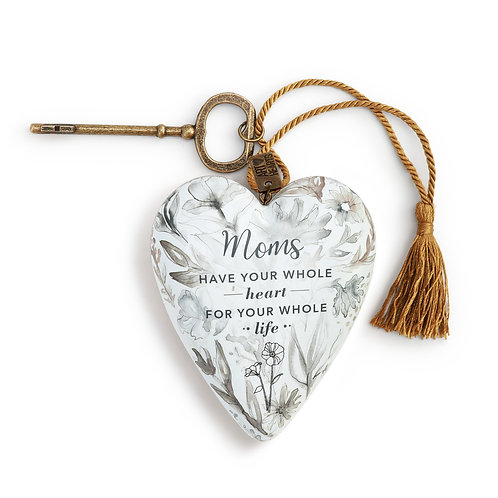 ART HEARTS -MOMS HAVE YOUR HEART