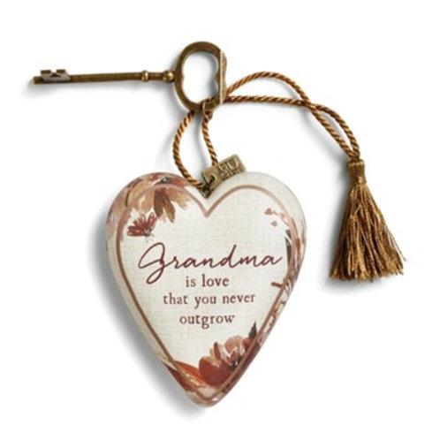 ART HEARTS -GRANDMA IS LOVE