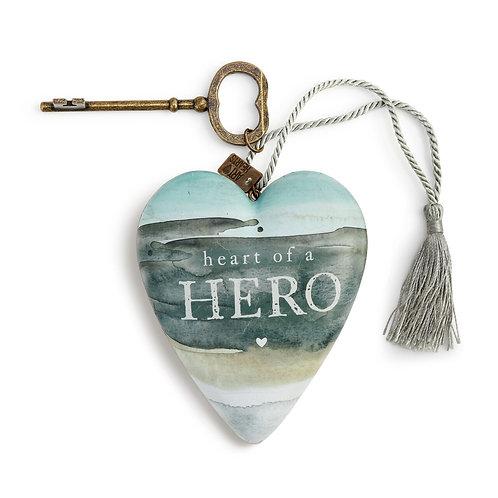 ART HEARTS - HEART OF A HERO