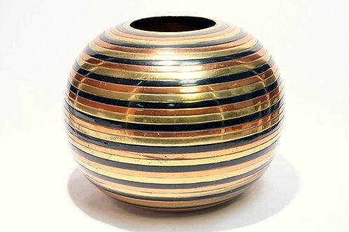 Sanjeeb Metal Industries Statement Vase