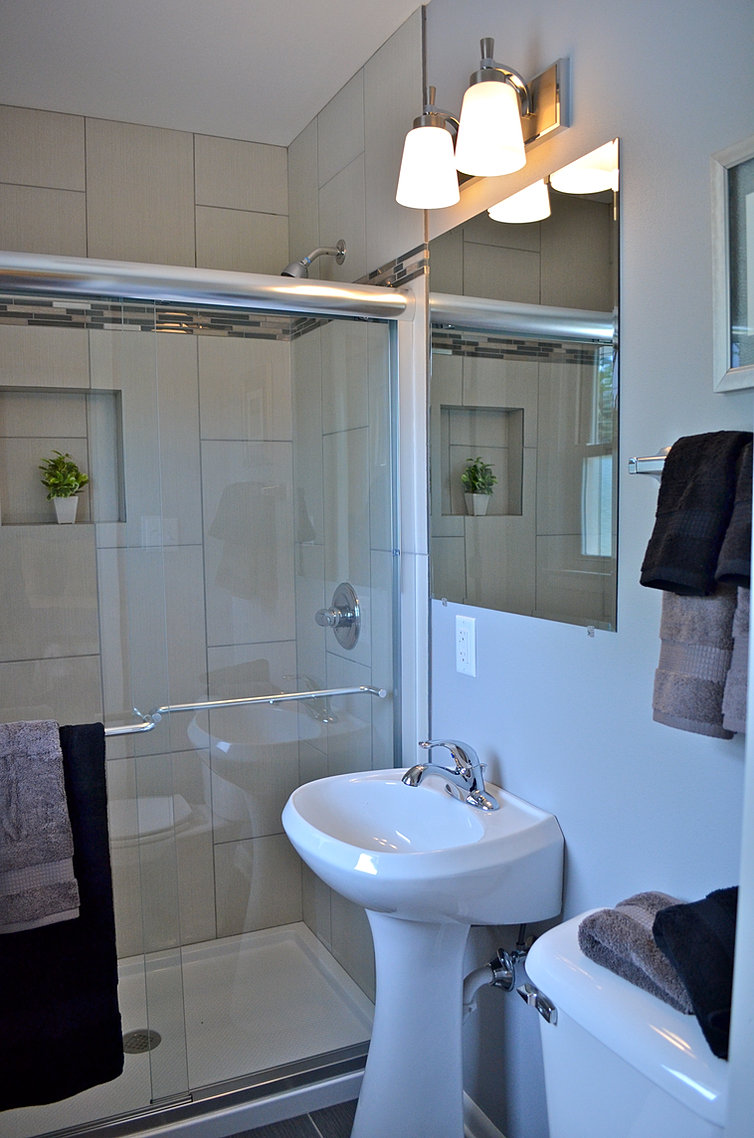 Custom Carpentry and Cabinets, LLC Remodeling Contractor