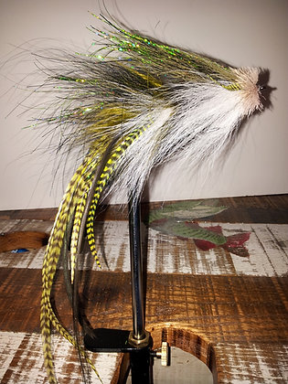 Musky Fly - Double - Olive, Black & White