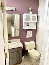 Bathroom B upstairs