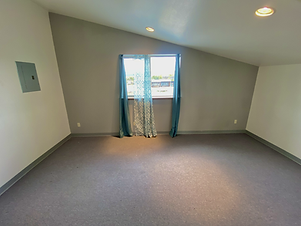 Upstairs extra room for rent