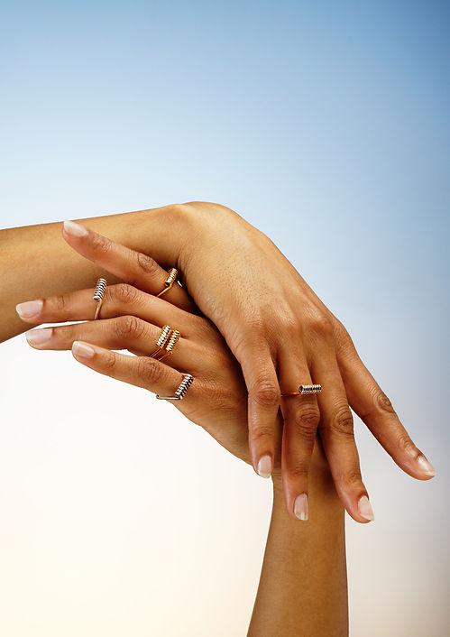 mollami, laisse-moi, j'en pince pour toi, anello, ring, bague, mani, mains, hands