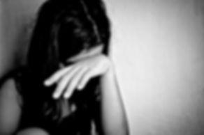 abused-girl-696x464.jpg
