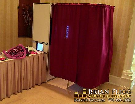 Enclosed photo booth MA