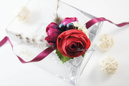 紅色小牡丹藍莓羽毛手花