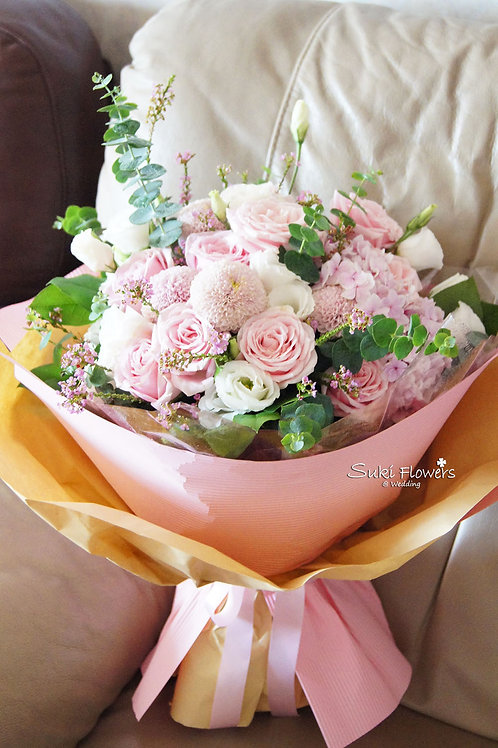 粉紅玫瑰繡球乒乓菊桔梗鮮花花束