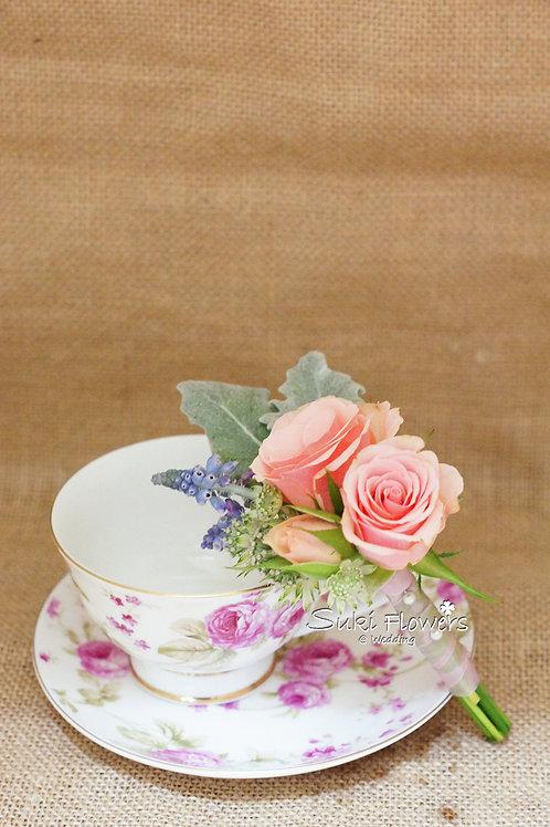 小玫瑰葡萄風信子鮮花襟花