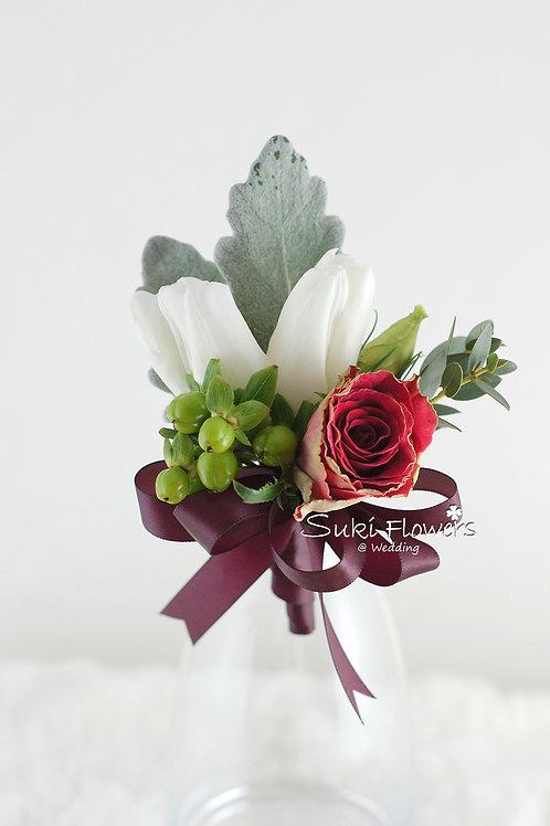 白色鬱金香小玫瑰綠豆鮮花襟花