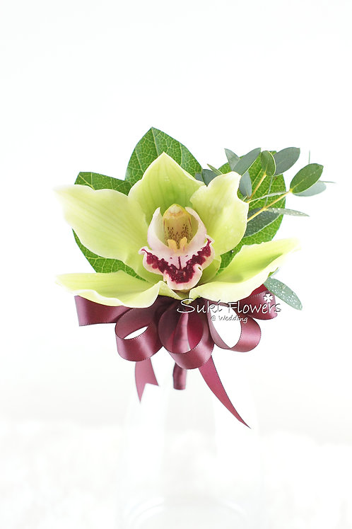 綠色蕙蘭鮮花襟花