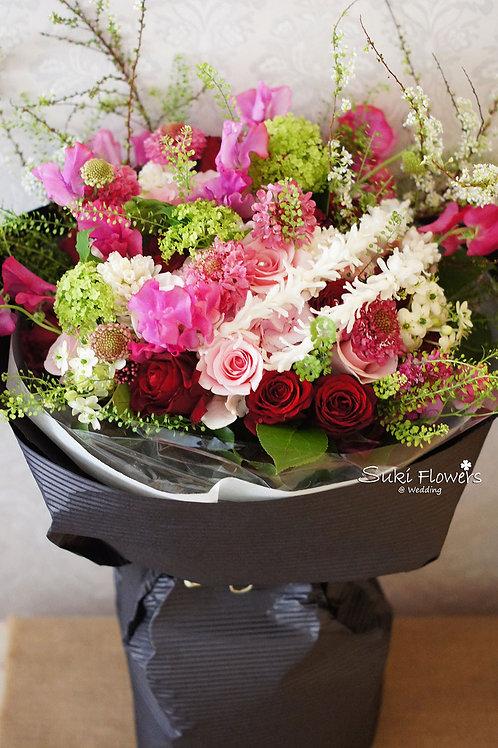 36枝玫瑰香豌豆松蟲草花雪柳風信子玉繡球鮮花花束