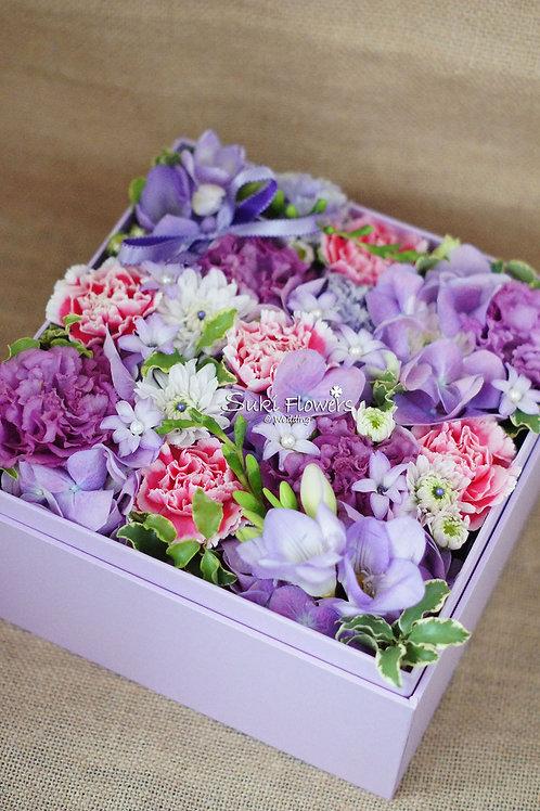日本藍星康乃馨繡球黃金球鮮花Flowers Box