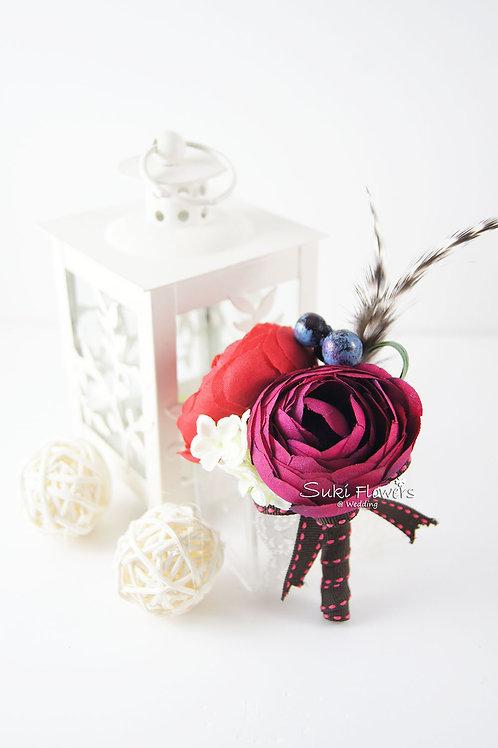 紅色小牡丹藍莓羽毛襟花