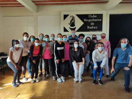 Servidores da Secretaria Municipal de Saúde de participam de treinamento de Ginástica Laboral