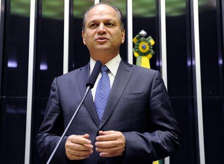 RICARDO BARROS (PP-PR), LÍDER DO GOVERNO NA CÂMARA SUGERE UMA NOVA CONSTITUIÇÃO