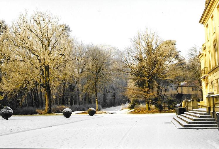 Château de Bétange sous la neige