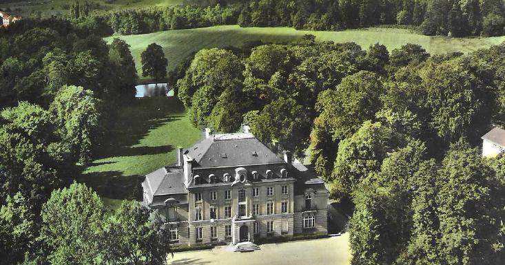 Vue aérienne du Château de Bétange