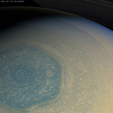 Saturn Hexagon.jpg