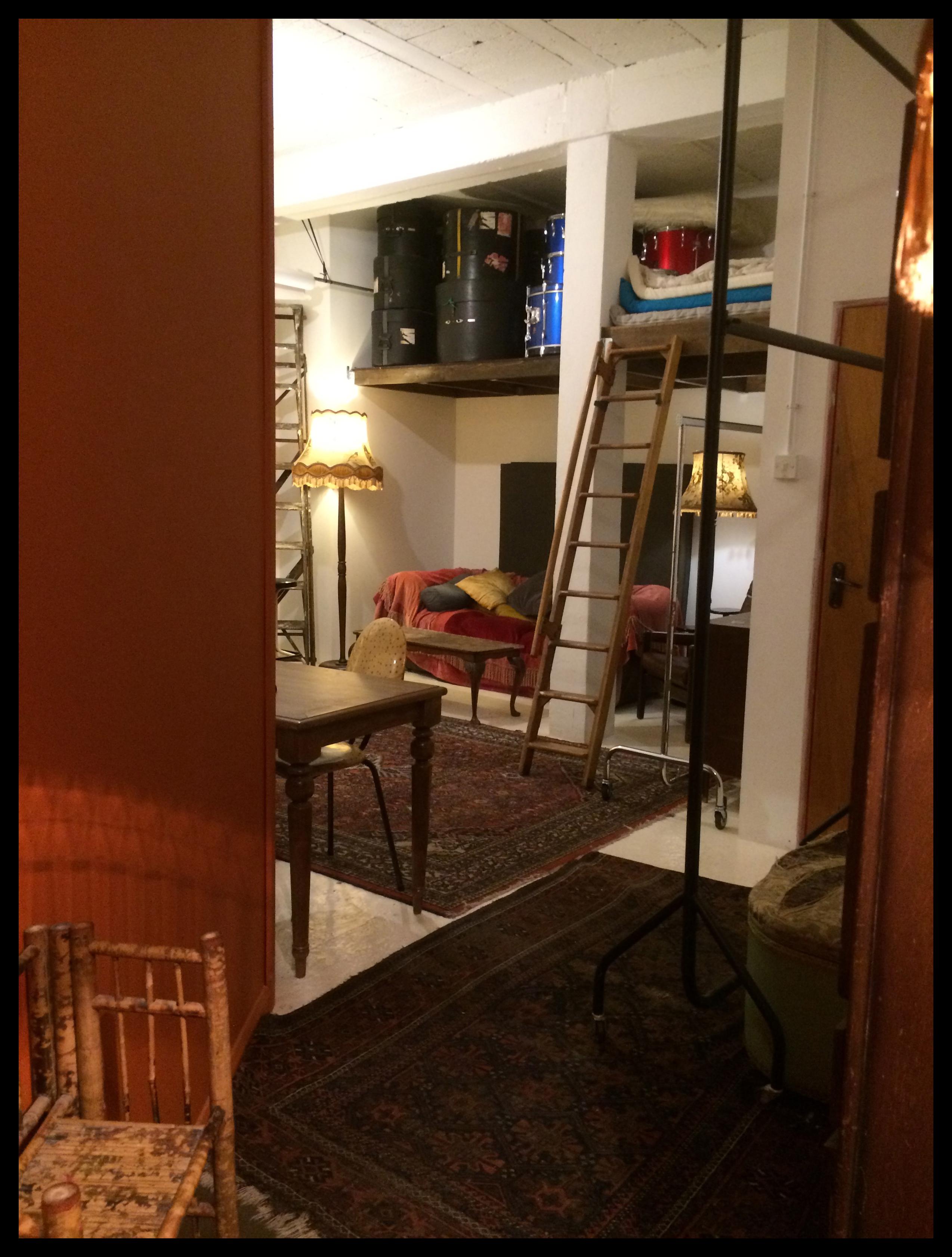 tiki lounge 5