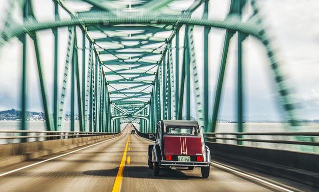 Escargot Motorcars Burgunday & Black Charleston