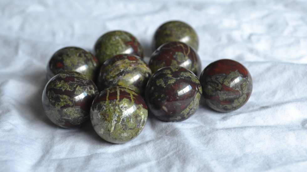 Small Dragon Blood Spheres