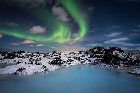 iceland-northern-lights-blue-lagoon