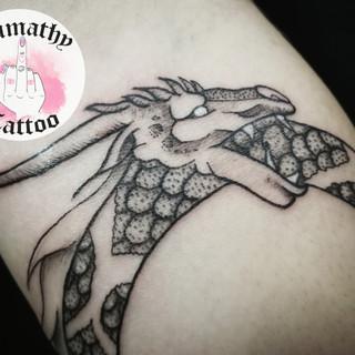 Illustration blackwork dotwork graphique ornemal nantes tattoo tatouage magie sorcière fleur flower Lumathy