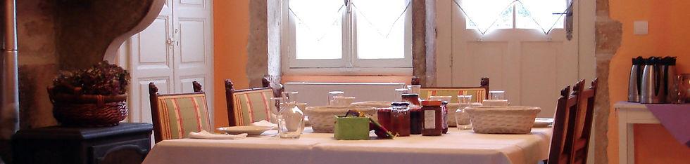Chambres d'hôtes proches de Taizé - Roses de la maison d'hôtes