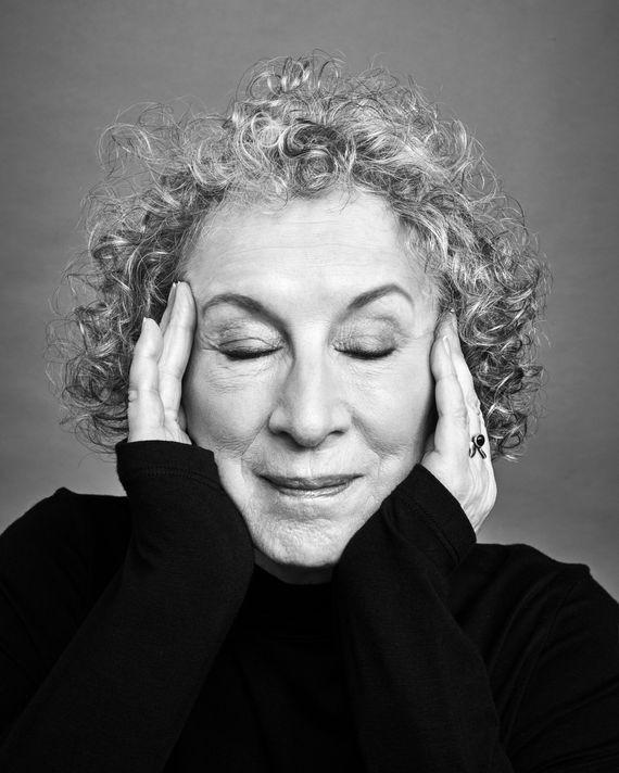 Margaret Atwood - Poeta - Escritora