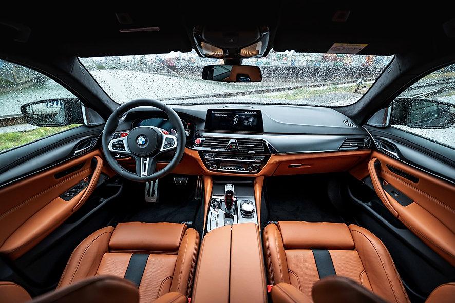 Salons_BMW_M5_V8_F90_2019_Leather_Steeri