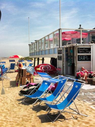 Pitnicks-beachbar-open.jpg
