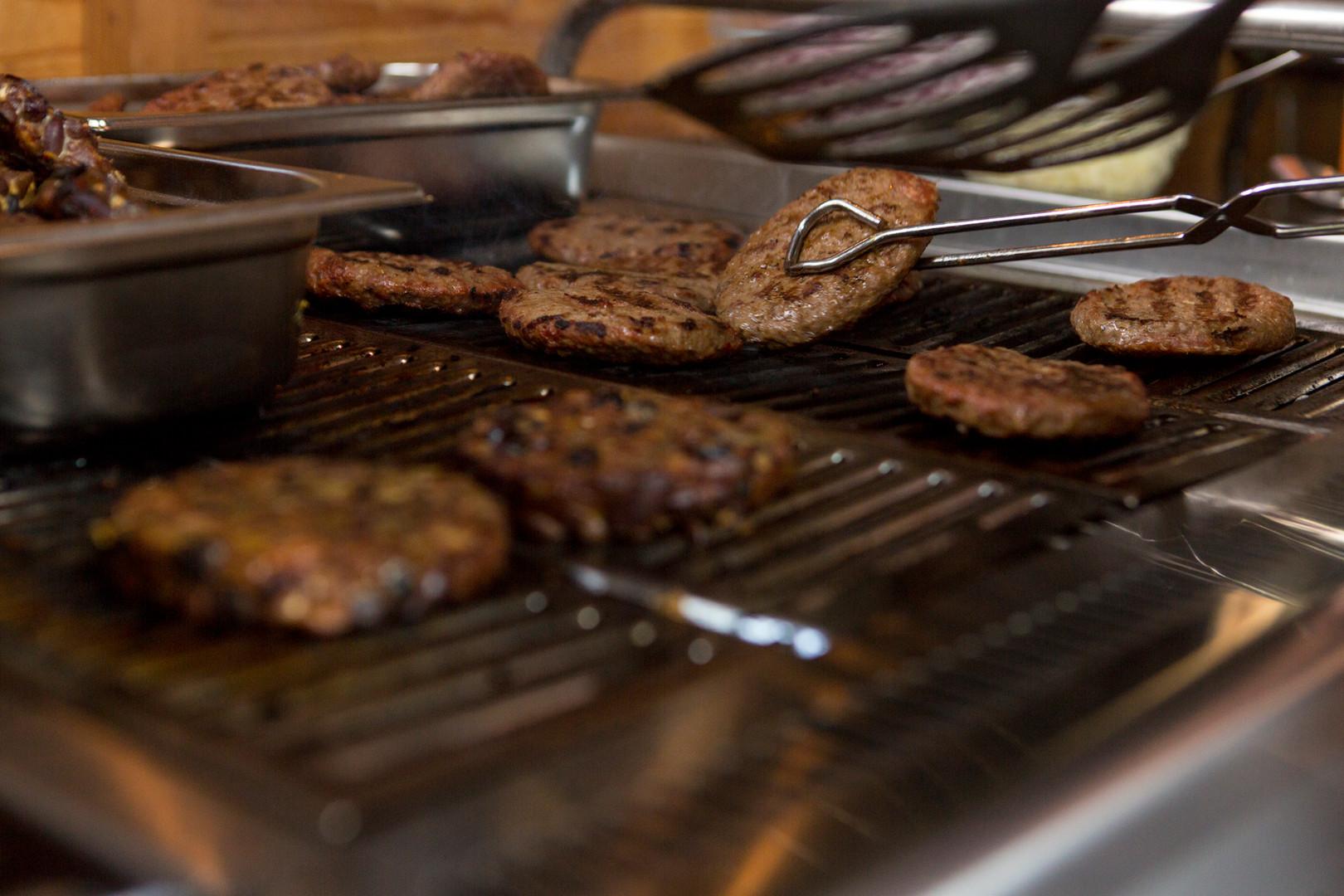 Hamburgers op de BBQ