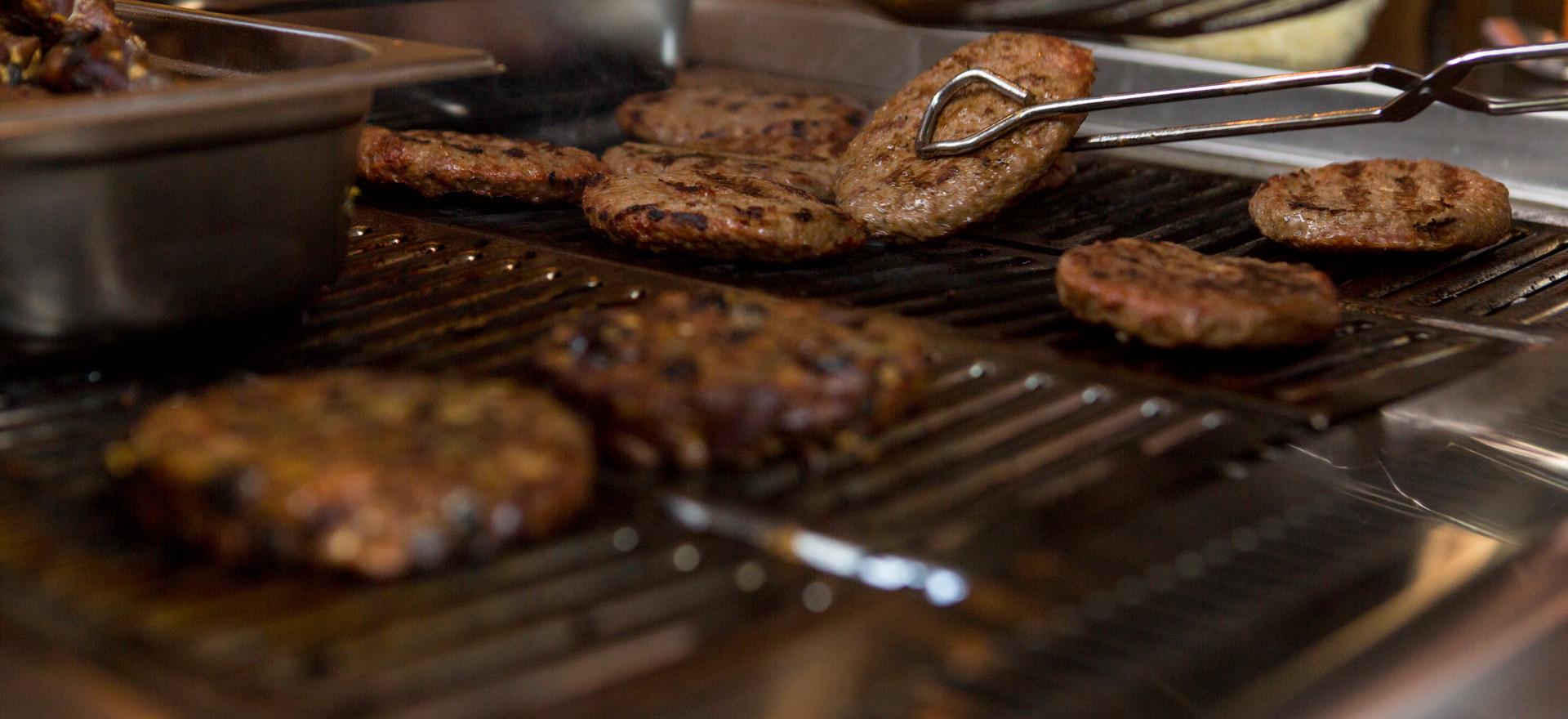 Hamburgers op de gril