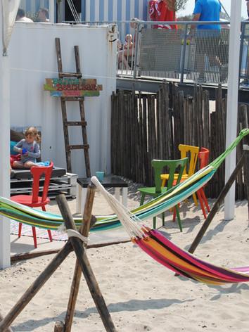 Pitnick's Beachbar Hangmatten.jpg