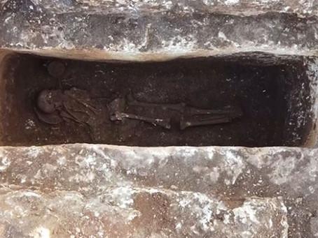 Perre Antik Kenti'ndeki kazılarda bozulmamış 1500 yıllık iskelet bulundu