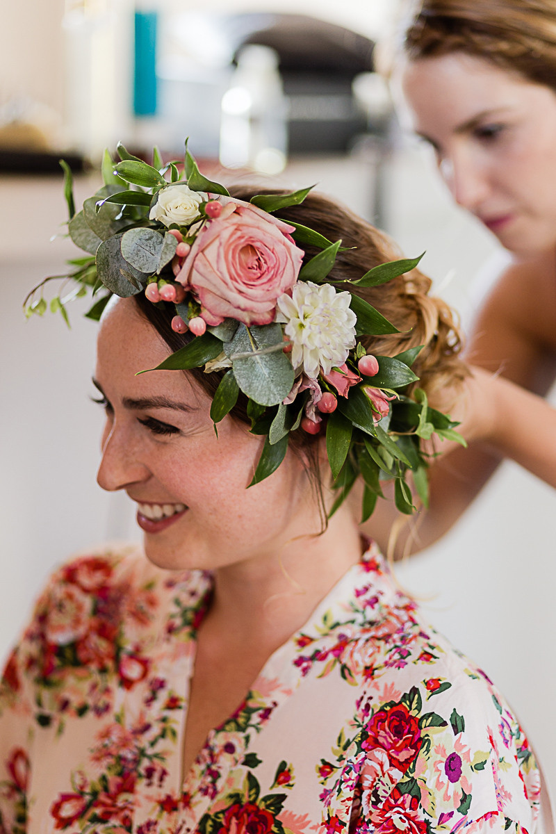 couronne de fleurs mariage romantique au domaine fon de rey - les moments d'où photographie