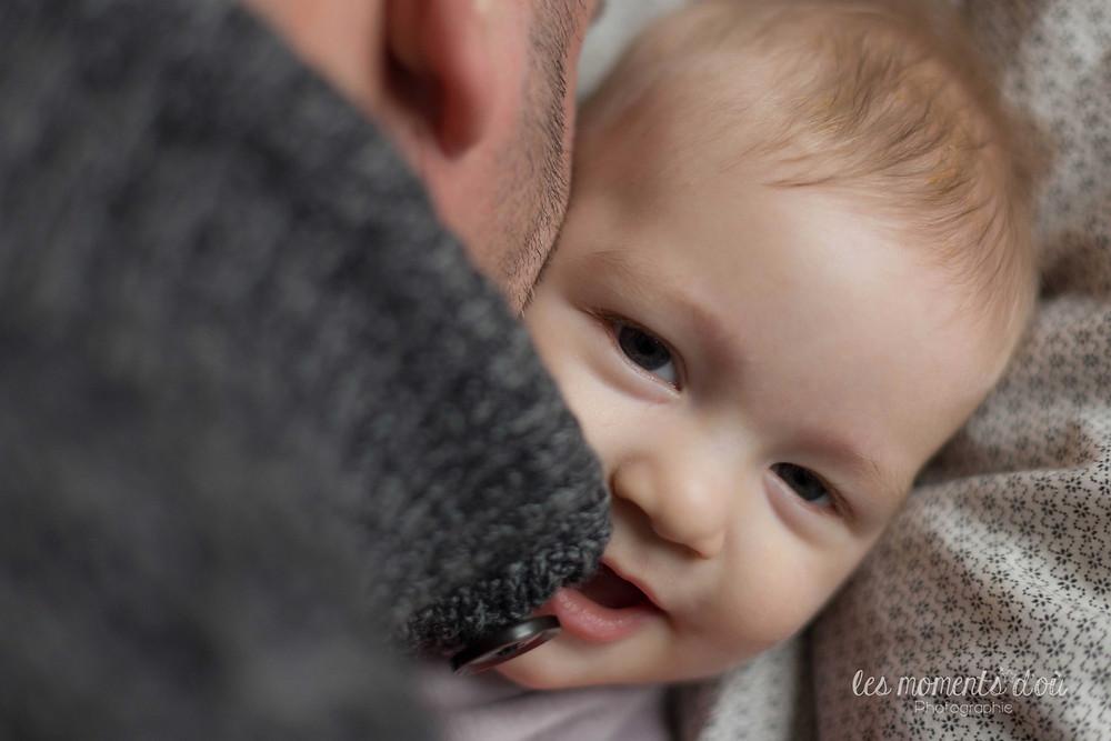 séance photographie bébé et papa - les moments d'où