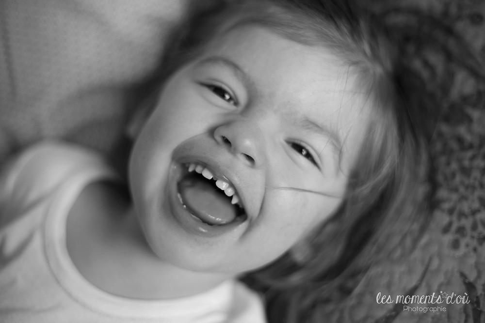 portrait enfant, rires volés - les moments d'où photographie