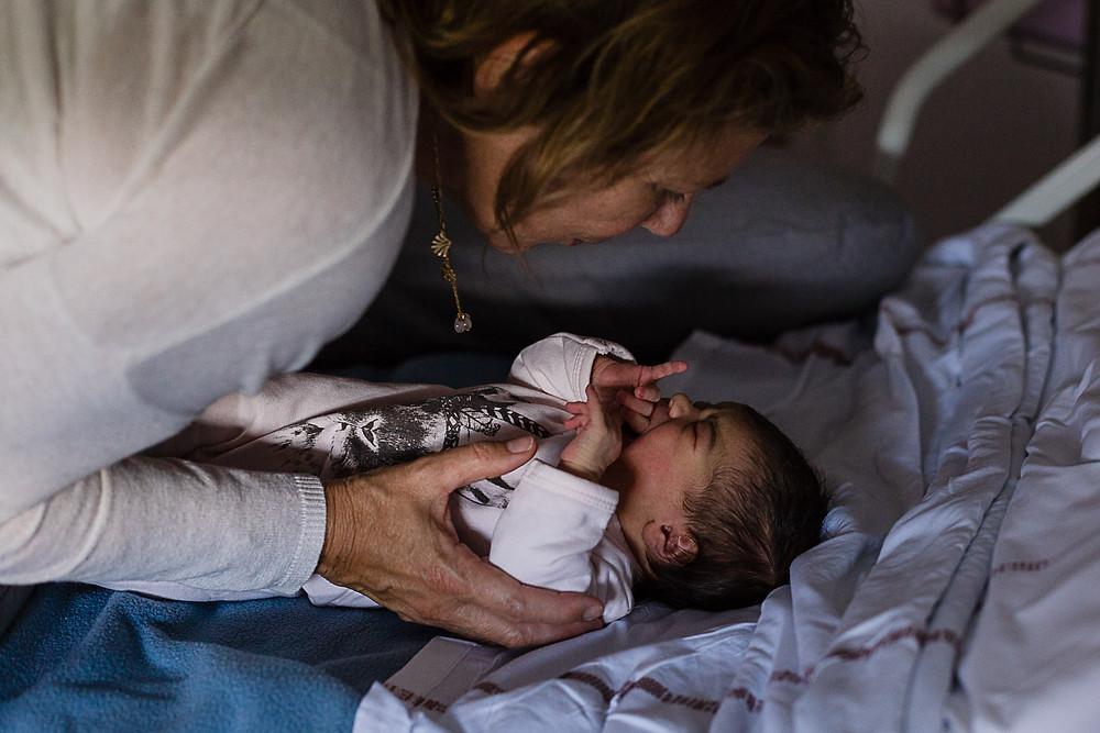 les moments d'où reportage naissance nîmes apaiser premiers pleurs