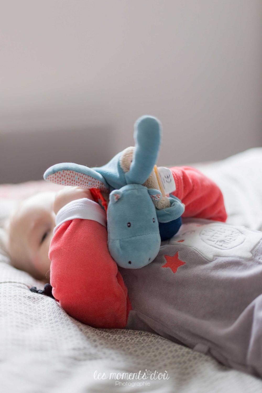 séance photographie bébé et doudou - les moments d'où